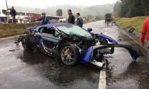 Một xe chuyển làn bất ngờ, cả dàn siêu xe gặp nạn