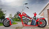 Chiêm ngưỡng xe máy khổng lồ có một không hai
