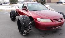 Hy hữu Honda Accord với bộ lốp khổng lồ vẫn chạy được
