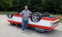 Ngạc nhiên với Ford F150 lộn ngược trên đường phố
