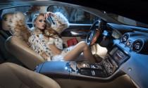 Ngắm dàn người mẫu nóng bỏng bên trong nội thất siêu xe
