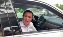 2 tài xế cố thủ nhiều giờ trong xe bạc tỷ khi bị CSGT kiểm tra