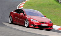 Tesla ứng dụng công nghệ tàu đệm từ làm… cần gạt nước