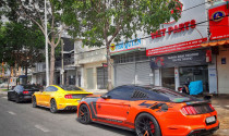 """Bắt gặp bộ tứ Ford Mustang """"đa  sắc màu"""" đi offline tại Vũng Tàu"""
