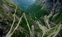 Những con đường nguy hiểm không phải ai cũng dám đi qua