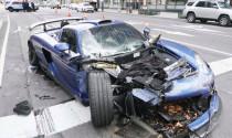 Tự gây tai nạn, phá nát chiếc xe triệu đô của chính mình