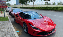 """Doanh nhân Nguyễn Quốc Cường mang """"siêu ngựa"""" Ferrari F8 Tributo xuống phố với chi tiết mới"""