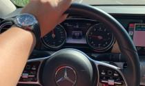 Đây là cách đi xe bình dân, đeo đồng hồ nhưng vẫn toát lên thần thái, giàu có dành cho đàn ông