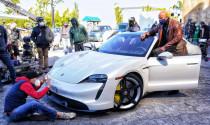 """Ngôi sao """"Fast & Furious"""" không thể ngồi vừa Porsche Taycan"""