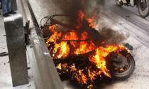 Chuyên gia bác bỏ khả năng xe liên tiếp cháy, nổ do xăng bẩn