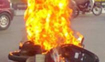 Xe máy bỗng nhiên cháy, nổ: Nhà sản xuất phải bồi thường