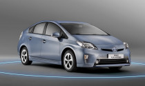 Toyota công bố giá Prius hybrid thế hệ mới
