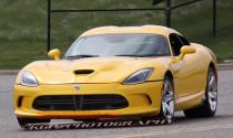 SRT Viper 2013 lộ diện với bộ cánh màu vàng