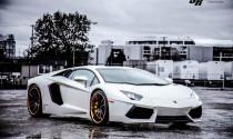 Lamborghini Aventador LP700-4 nổi bật với bộ vành hợp kim vàng