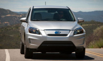 Toyota ra mắt RAV4 EV chạy điện