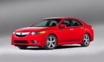 Acura TSX 2013 đắt hơn 500 USD