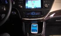 Toyota Avalon được trang bị sạc điện thoại không dây