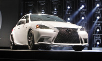 Thấy tận mắt, sờ tận tay Lexus IS 2014