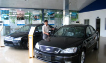 Hạ thuế, giảm giá 100 triệu ôtô vẫn ế