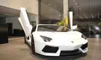 Lamborghini Aventador LP700-4 chính hãng đầu tiên đã về tới Showroom