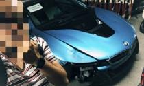 BMW i8 màu xanh độc nhất của thiếu gia Hà Thành gặp nạn