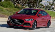 Lộ ảnh Hyundai Elantra Sport 2017 với kiểu dáng đẹp mắt