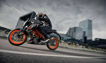KTM Duke 390 2017 nâng cấp động cơ ra mắt tại EICMA 2016