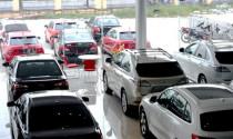 Dù giảm giá liên tục, ô tô trong nước vẫn khó cạnh tranh