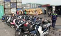 Phát hiện container chứa nhiều xe máy nhập lậu ở cảng Cát Lái