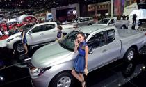 Giá xe ô tô tại Việt Nam vẫn tiếp tục giảm mạnh