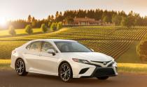 Toyota Camry 2018 bán ra từ cuối mùa hè, giá khởi điểm 535 triệu đồng