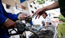 Bộ Tài chính giữ nguyên đề xuất tăng thuế tối đa 8.000 đồng/lít xăng