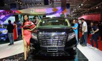 Xe gia đình Toyota Alphard cập bến Việt Nam