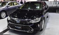 Toyota Camry 2017 thêm trang bị, giá từ 791 triệu đồng