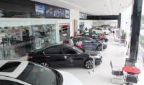 """Thị trường ô tô """"chững"""" vì người tiêu dùng chờ giảm giá"""