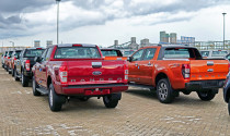 Ô tô nhập khẩu đội giá bán, xe cũ đắt hàng dịp cuối năm