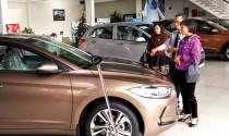 Mua ô tô cận Tết: Xe nhập đội giá cả trăm triệu đồng