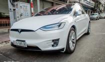 Tesla Model X P90D giá 1,8 tỷ đồng xuất hiện trên đường phố Sài Gòn