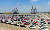 Hơn 2000 xe ô tô đầu tiên nhập khẩu về cảng Hiệp Phước