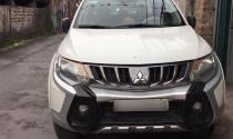 Xe Mitsubishi lỗi động cơ, khách Việt lần đầu được đổi xe mới