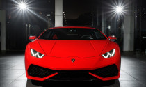 Cận cảnh Lamborghini Huracan LP610-4 chính hãng độ mâm xe đua Central Lock
