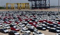 """Vượt \""""rào\"""", ô tô nhập khẩu liên tiếp về Việt Nam"""