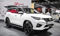 Không thể nhập khẩu ô tô, Toyota đang được xe \'nội\' giải cứu