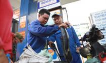 Xăng RON 95 giảm hơn 300 đồng/lít