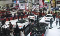 Lượng ô tô nhập khẩu tăng mạnh, xe Thái tiếp tục  tràn về