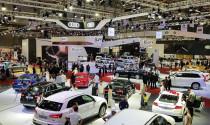 Vướng nhập khẩu, ô tô tiếp tục tăng giá
