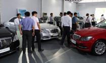 Doanh số bán ô tô lao dốc dù các đại lý tung nhiều chiêu giảm giá, kích cầu