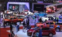 """Nhiều \""""hàng hot\"""" về nước, ô tô nhập khẩu tăng chóng mặt"""