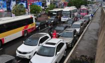 Lên lộ trình kiểm soát khí thải xe ô tô