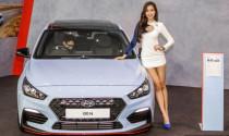 Bỏng mắt với dàn người đẹp tại Triển lãm ô tô quốc tế Kuala Lumpur (KLIMS) 2018